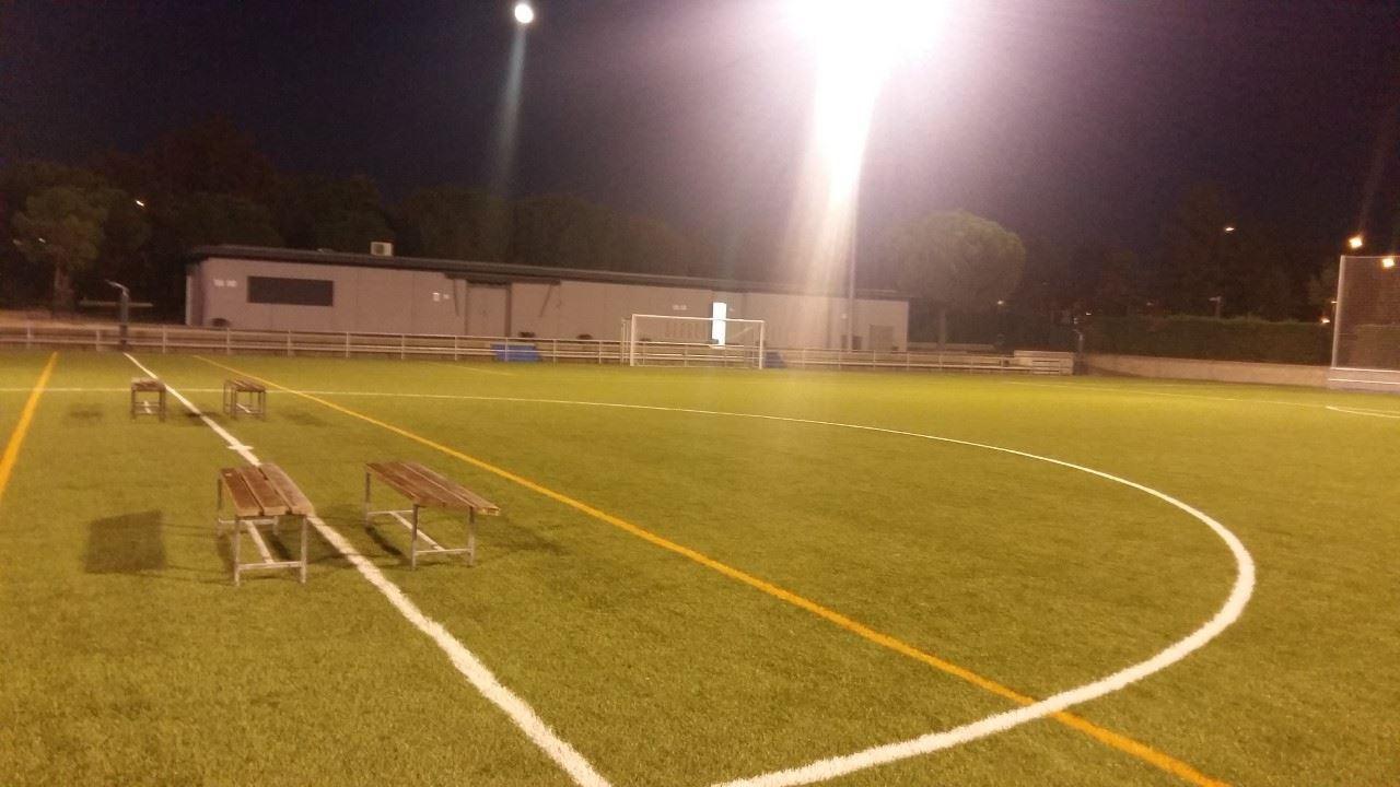 La Junta Municipal de Usera y la ADC San Fermín, firman el convenio que regula la gestión de las instalaciones deportivas del Parque Lineal del Manzanares