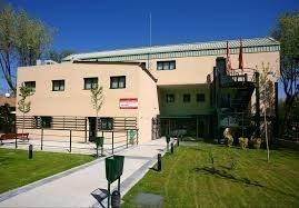 Seis meses lleva cerrado el comedor del Centro de Mayores de la Comunidad de Madrid en la Avda. de San Fermín. ¡Es de justicia reabrirlo ya!